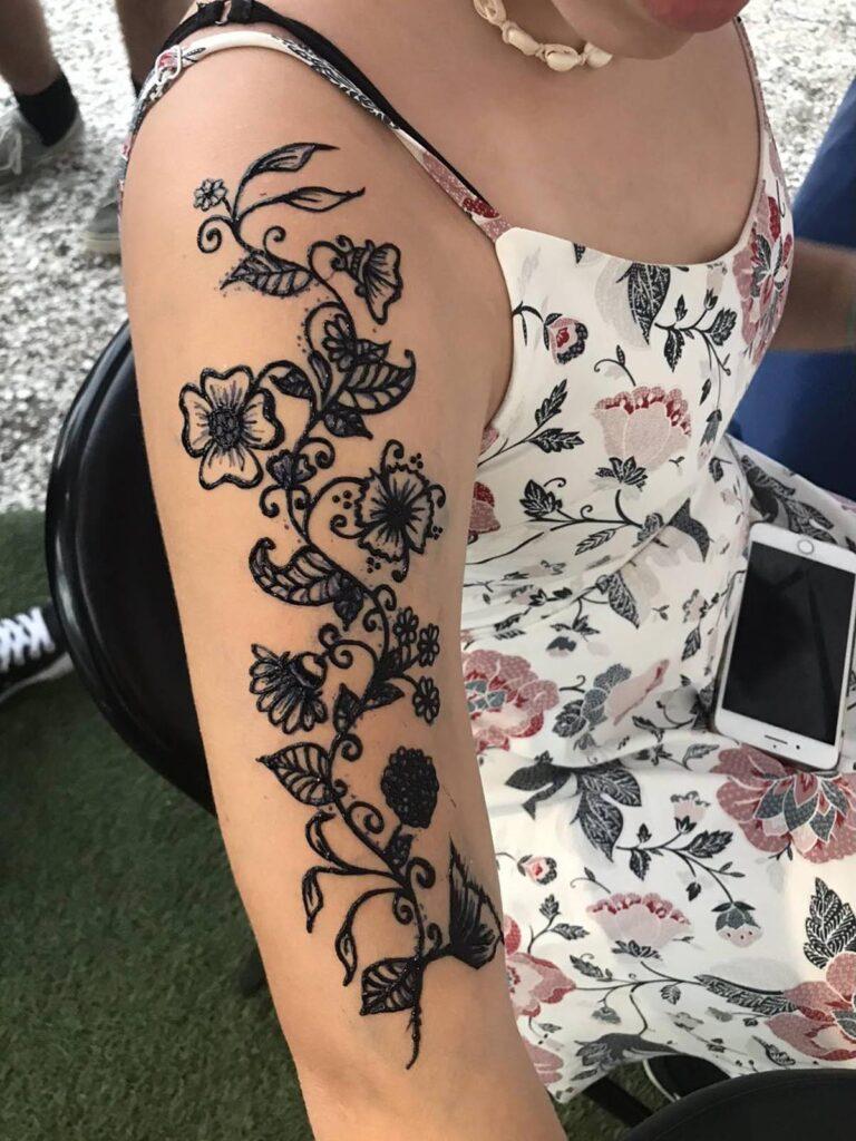 Arm Ornamental Flowers